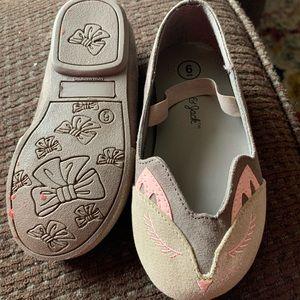 Girl slip on shoes